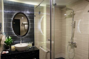 executive bathroom walk-in shower