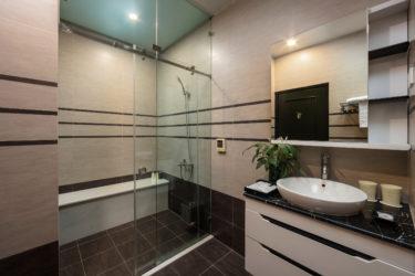 deluxe bathroom bathtub
