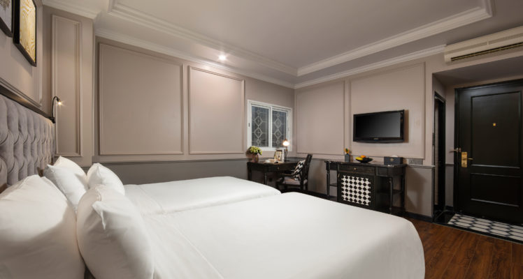executive twin room with walk-in shower in hanoi