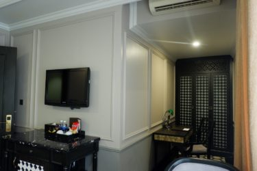 premium room amenities and furniture