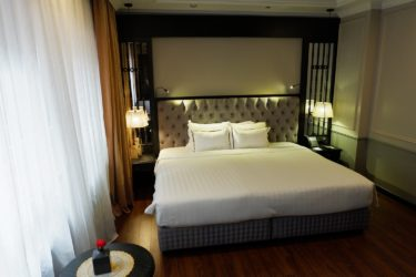 premium room double bed old quarter view