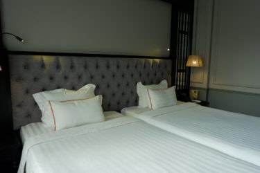 premium room twin beds