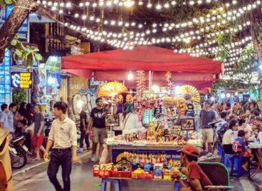night market hanoi souvenir stalls