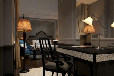 working-desk-junior-suite-double-room-at-imperial-hotel