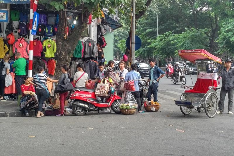 robbed in vietnam beware of street vendors